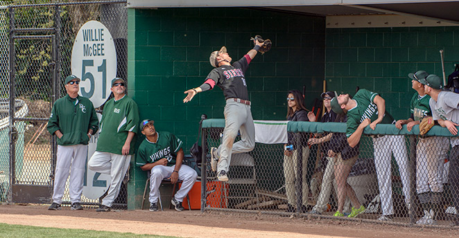 Slide: Kyle Dixon makes great catch!